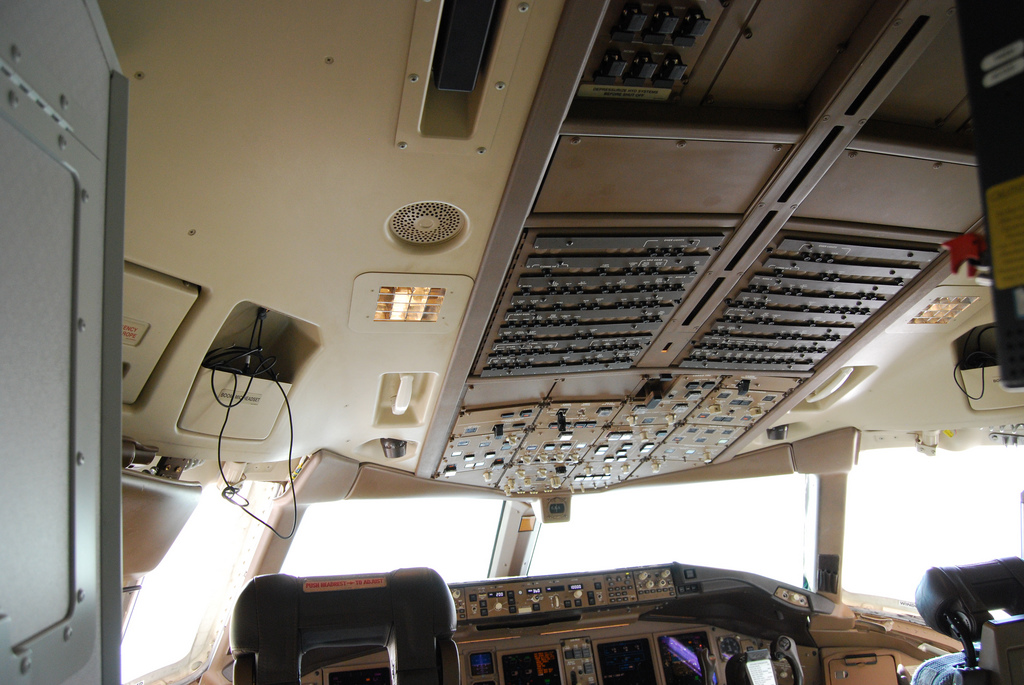 Boeing 777 ceiling switches and circuit breakers