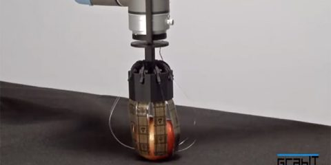 Robotic Hand Picks up Objects with Electrostatic Attraction | In Compliance Magazine