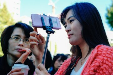 Korean Ministry of Science Considers Fines for Selfie Stick Retailers for Electromagnetic Radiation | In Compliance Magazine